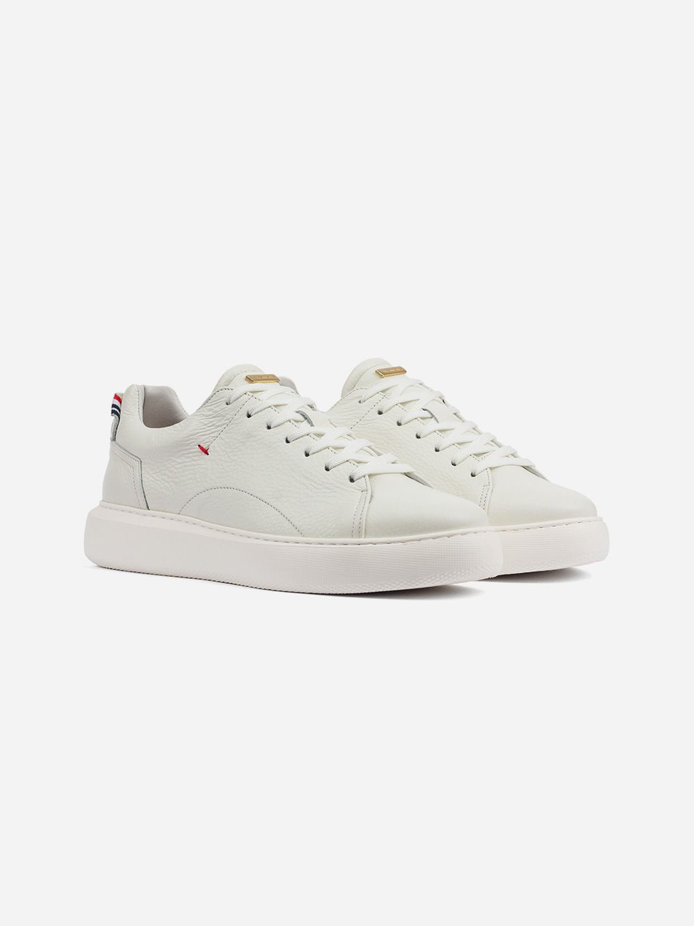 White Sneakers | AMBITIOUS