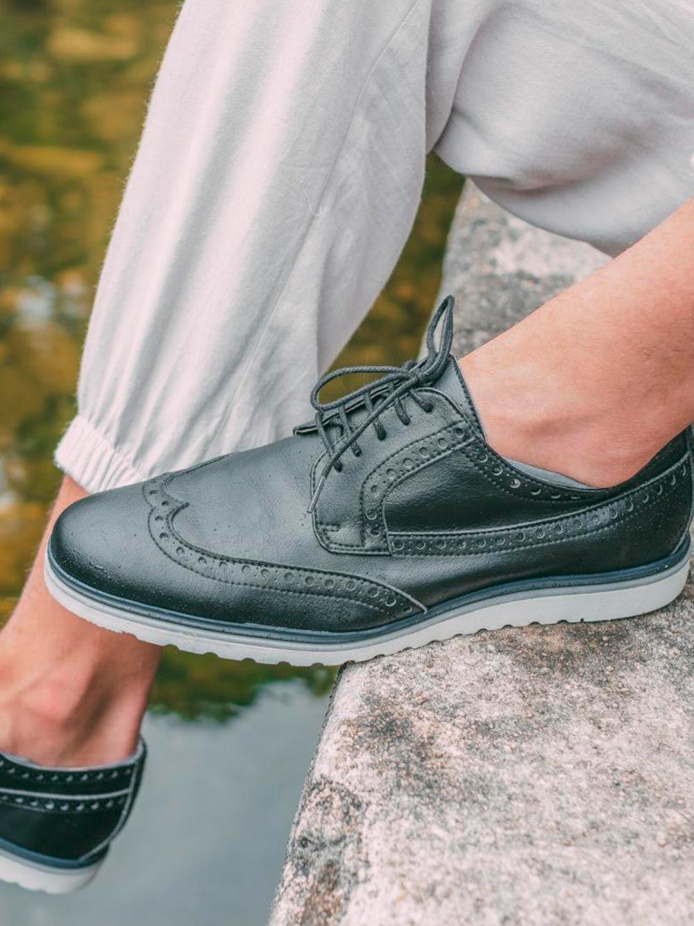 Sapato Preto Estilo Brogue Vegan Nae