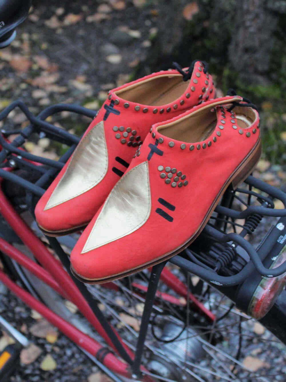 Red Shoes Careto | Entrudo