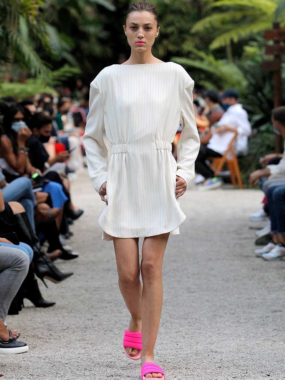 Backless Short Dress with Shoulder Pads