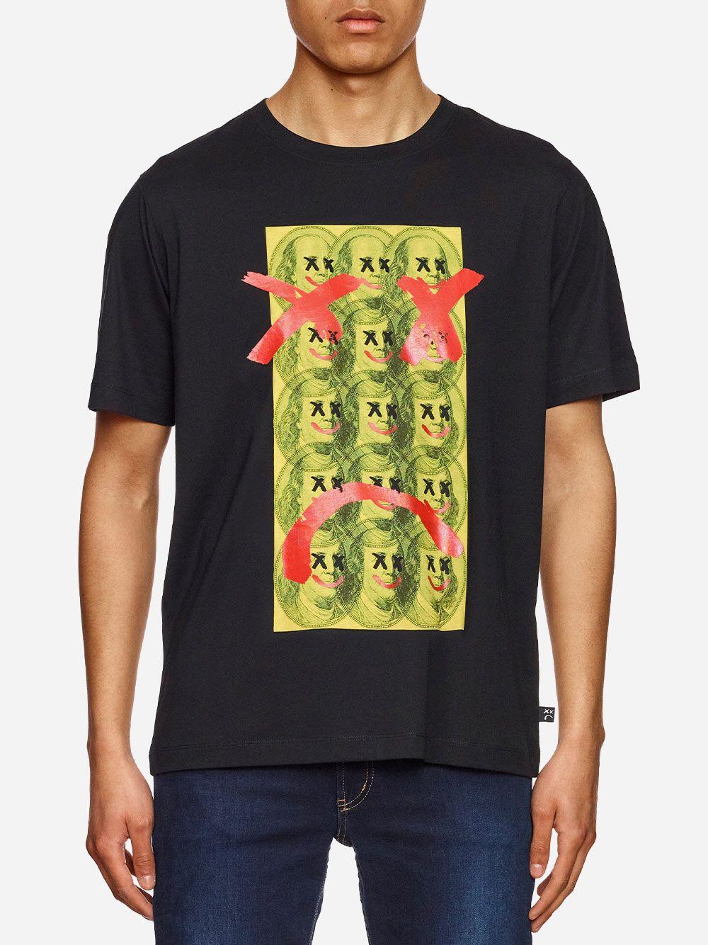 Tshirt Preta Estampada | AMBITIOUS