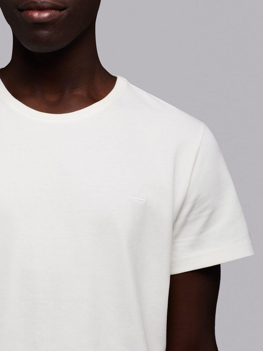 T-shirt Essential Branca | Wetheknot