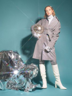Trenchcoat Spacejam Holographic |Carolina Machado