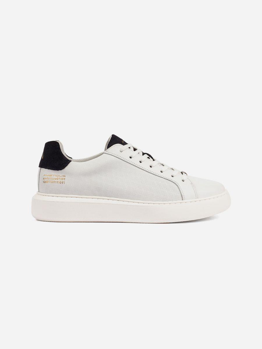 White Sneakers Navy detail