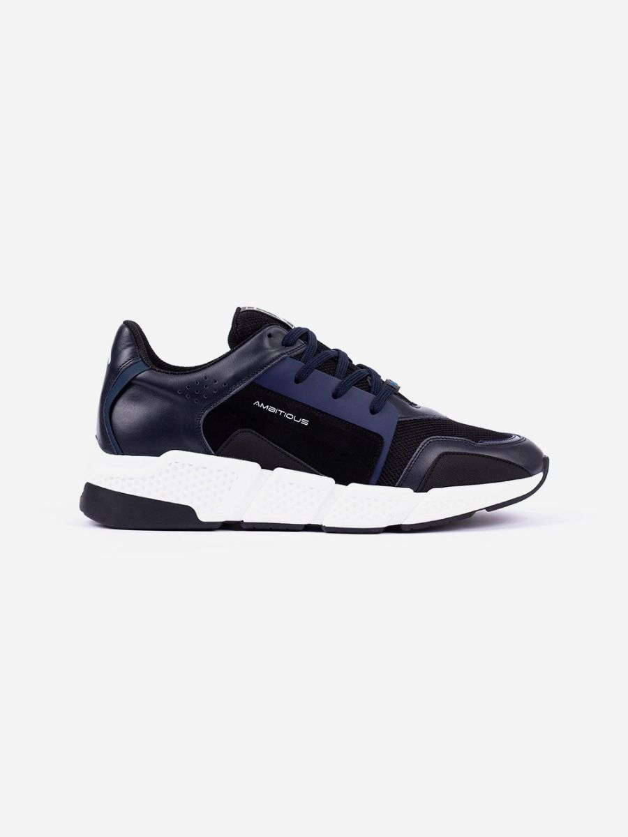 Navy Sneakers with Contrasting Sole